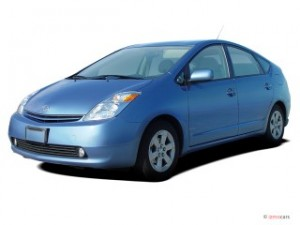 2004-toyota-prius-5dr-hb-natl-angular-front-exterior-view_100274455_s
